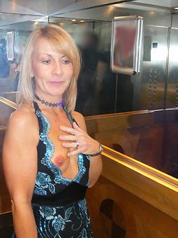 real pretty moms nude pics