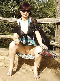 hot mom upskirt free porn pics