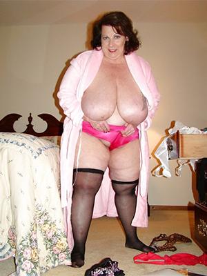 hot chubby mature marauding