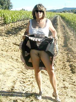 naked moms outdoors brigandage