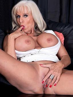 hot blonde mom free porn pics