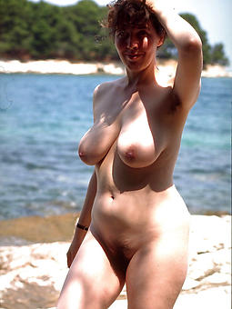 mature gentry on the beach erotic pics