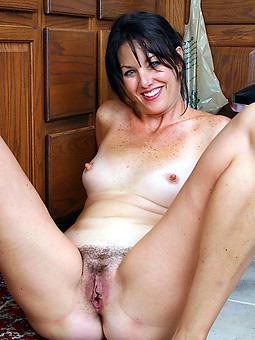 naked brunette mature upper classes