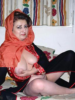 lassy moms nude xxx pics