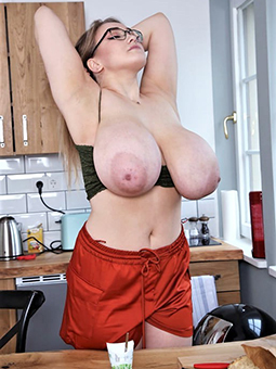 porn pictures of lassy moms nude