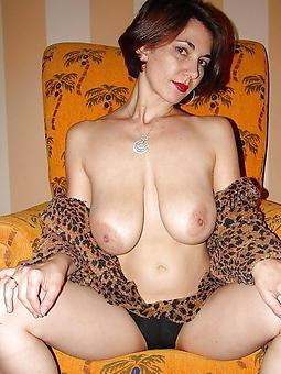 hotties mature chubby saggy tits pics