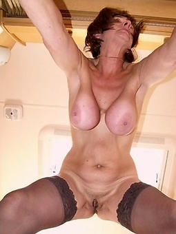porn pictures be expeditious for mature broad in the beam saggy tits