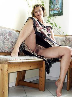 pretty mom upskirt photos