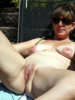 reality shaved naked ladies pussy