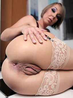 amature sexy classy gentlefolk nude pics