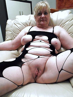 stark naked mother pussy erotic pics