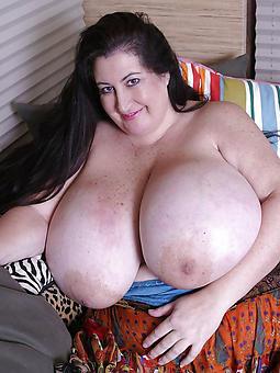 undress busty strata free porn pics