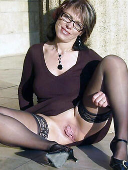 sexy mature moms there stockings