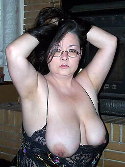 hotties adult mama chest porn pics