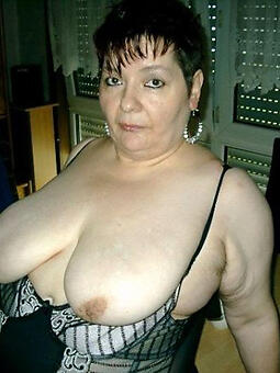 easy grown up mom titties pics