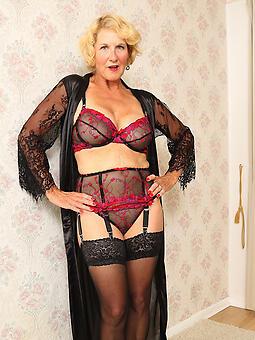 amateur hot gentry in lingerie XXX pics