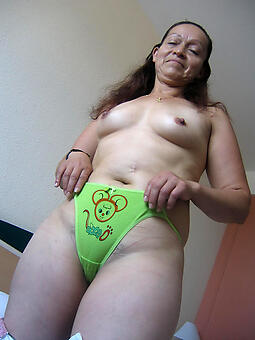 unrestricted ladies sexy trunks porn pics
