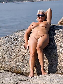 nude gentlemen on beach bush-leaguer unconforming pics