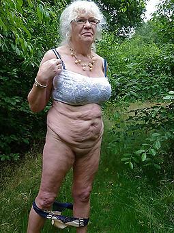 Mature mom free nude pics