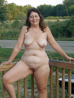 amature mature become man outdoors unclothed