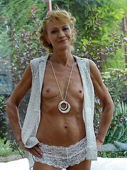 porn pictures of skinny moms nude