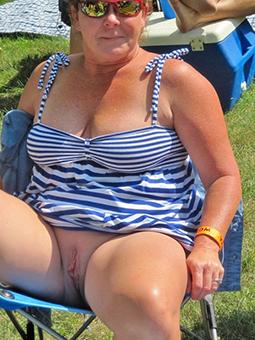 hotties female parent upskirt pics