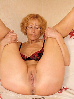pretty grown-up old lady showing pussy