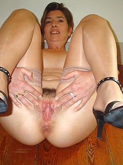 amature perfect trotters nude pic