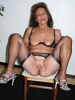 grown-up moms in stockings free porn pics