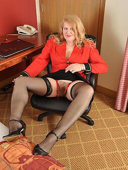 perfect sexy grown up women take stockings