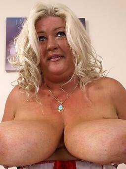uncomplicated big tit mom pic