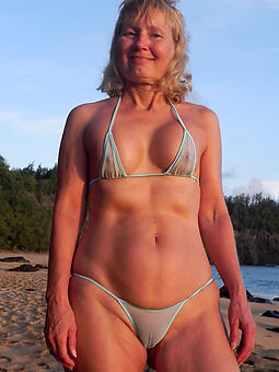 porn pictures for hot milf in bikini