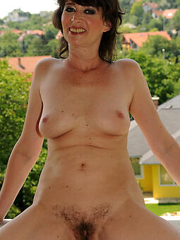 pulling nifty grey lady nude photo