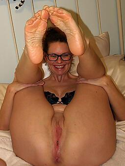 mommy limbs unorthodox porn pics
