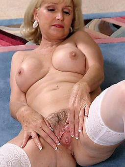 porn pictures of pulling mature nude