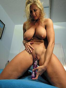 mature milf masturbate Bohemian nude pics