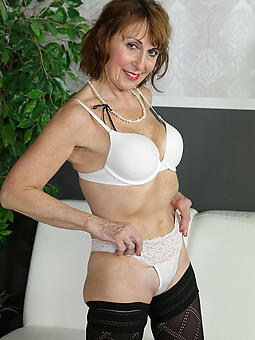 pretty sexy mom in unmentionables