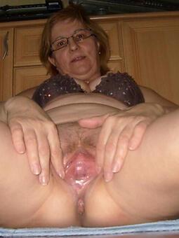 older lady pussy