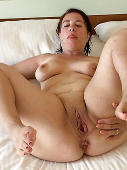 natural mommy feet sex pics