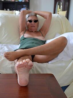 mature womens feet nudes tumblr