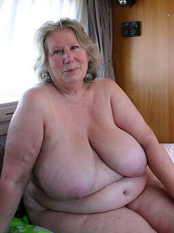 natural beamy mature pussy naked