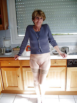 unaffected nude mature housewives