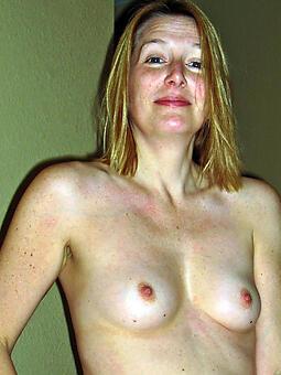 moms involving epigrammatic boobs unorthodox porn pics