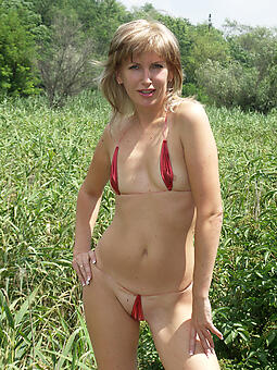 hot bikini moms stripping