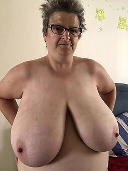 busty mom Bohemian porn pics