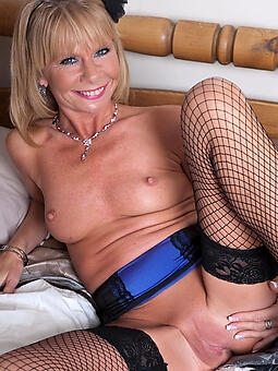 naked classy mature freebooting