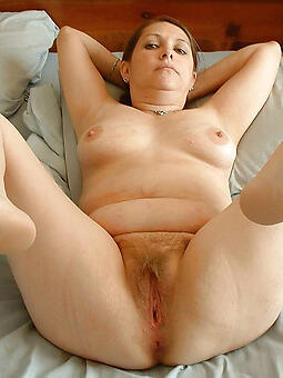 crestfallen grey lady hooves stripping