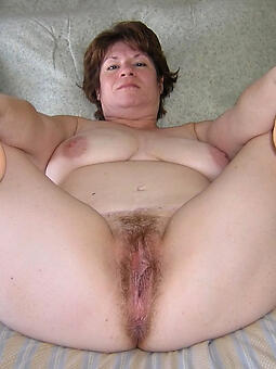luring sexy mature trotters pics