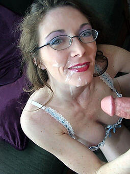 pretty nude old lady glasses