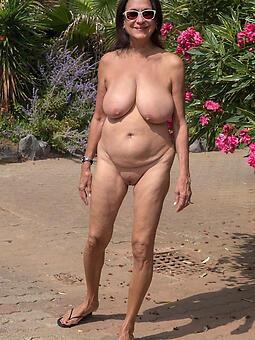 drawing sexy nude grandmas